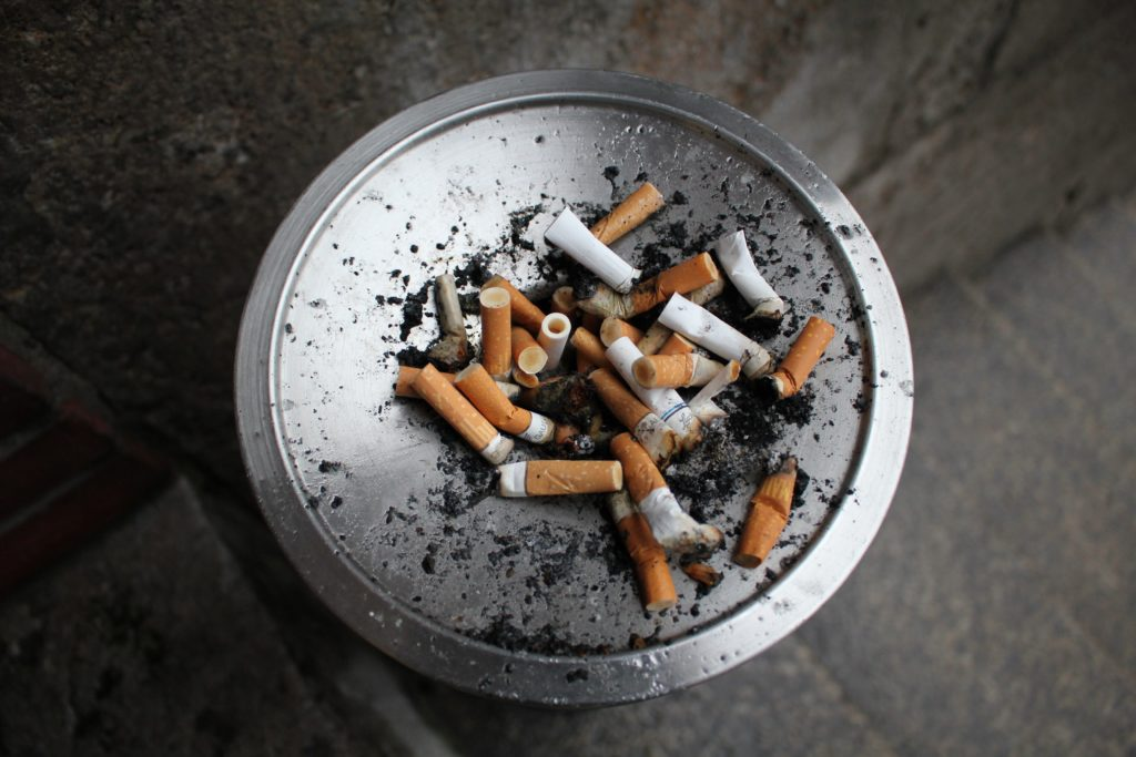 negative effects of smoking cigarettes
