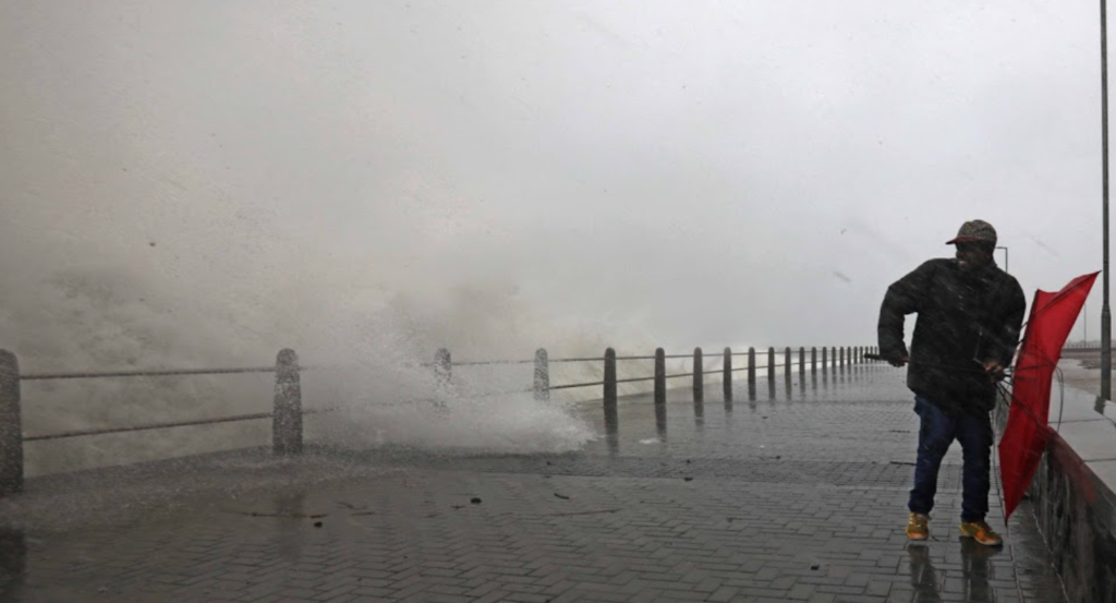 The Cape Town storm series: aftermath in photos