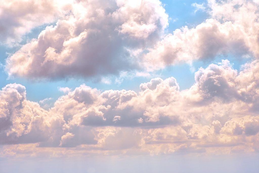 Vanilla skies - Your Sunday weather