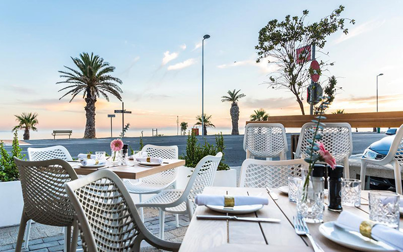 Restaurants with a stunning sea view
