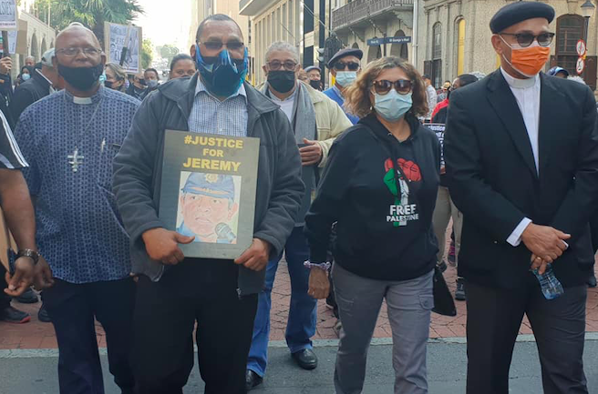 Capetonians show their support for dismissed top cop Jeremy Vearey