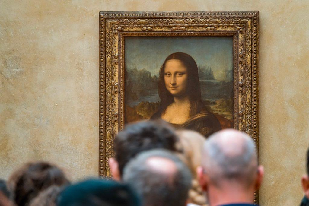 People want Jeff Bezos to eat the Mona Lisa