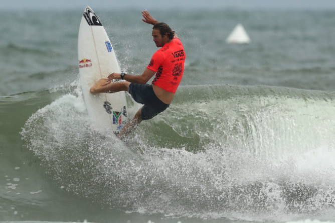 Knee injury forces Jordy Smith to withdraw from Tokyo Olympics