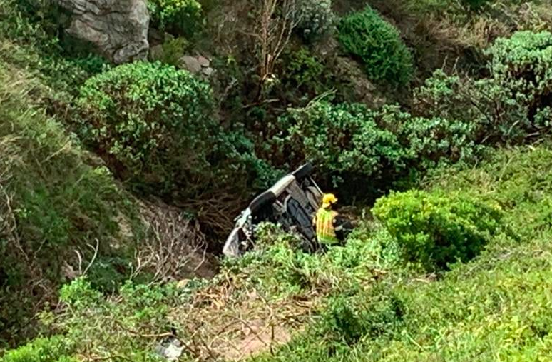 WATCH: Cape Town woman rescued after her vehicle went over the edge of the mountain