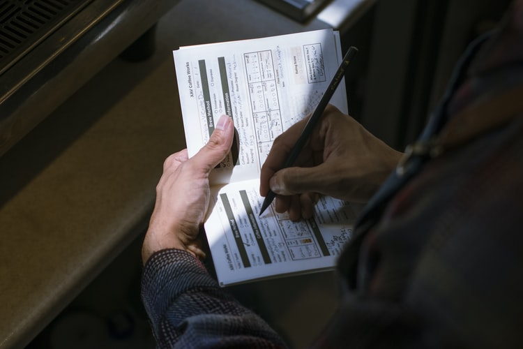 Grace period for renewals of driving licences and disks stops at end of August