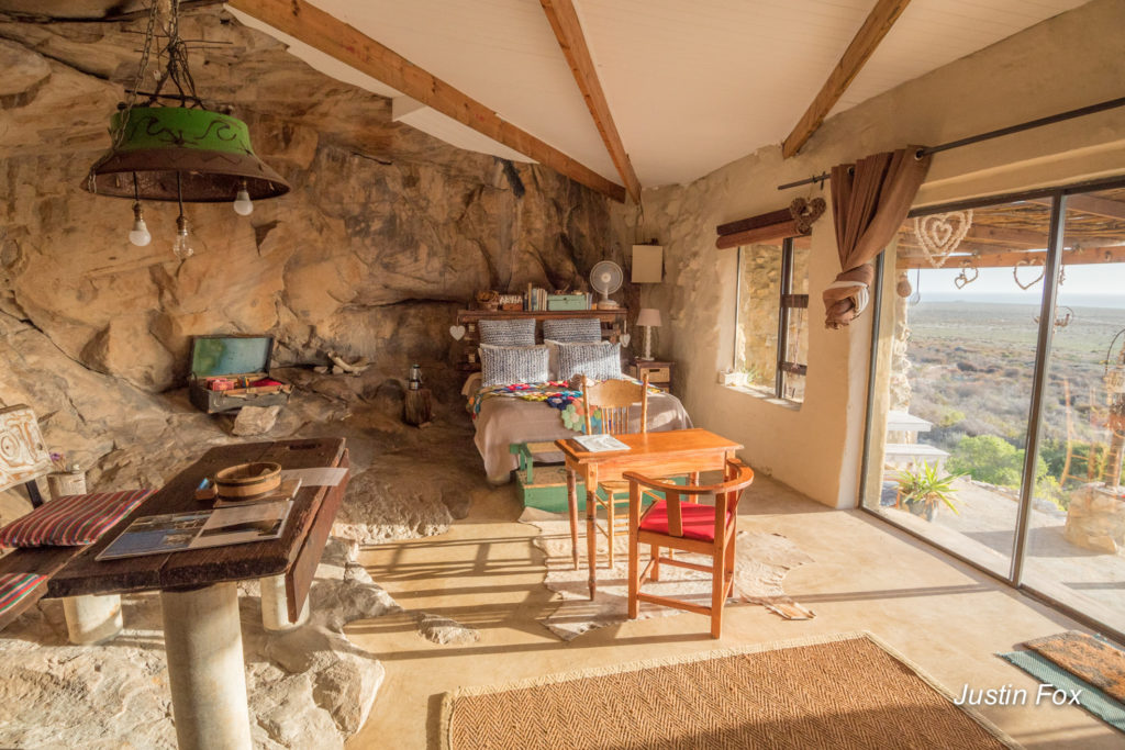The comfiest cave to stay at in Lamberts Bay - an inside look