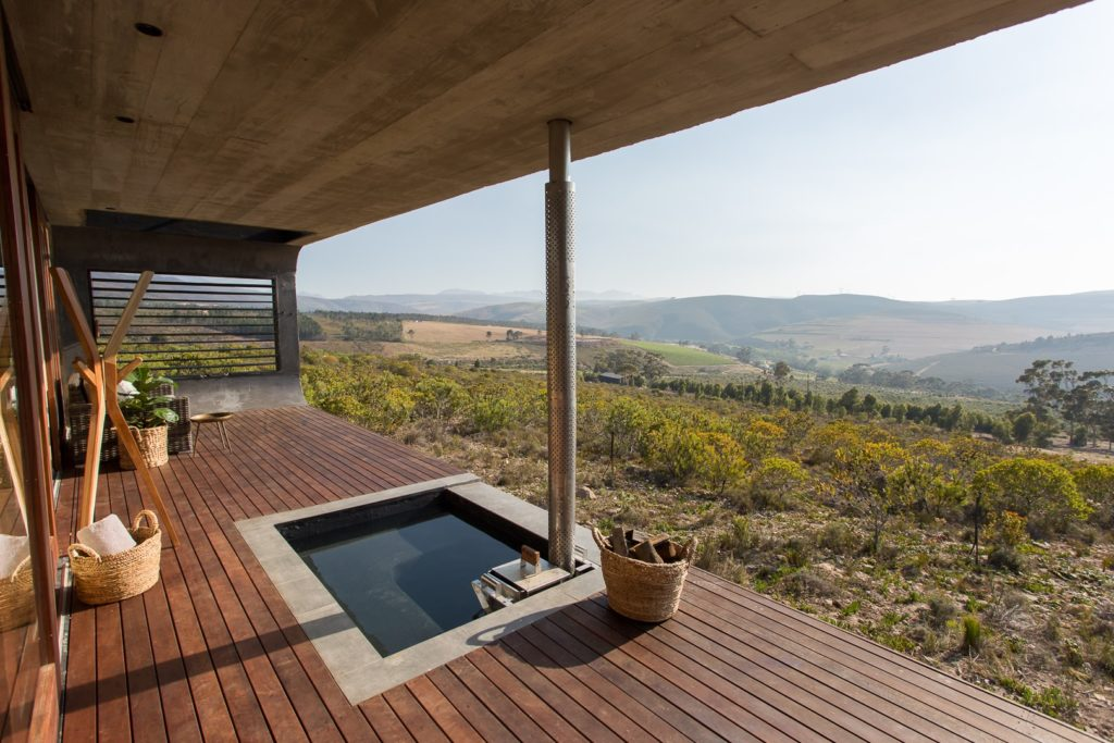 6 places near Cape Town with wood-fired hot tubs