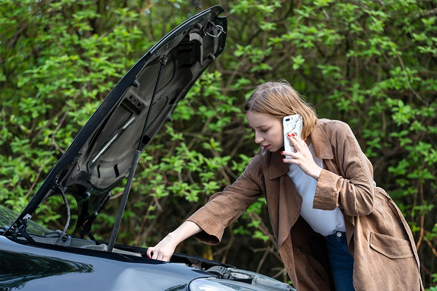 4 Signs you need a new car insurance provider