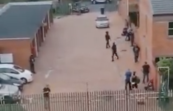 WATCH: Man holds family hostage in Milnerton