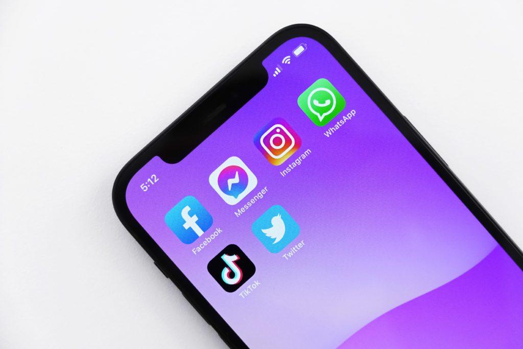 social media platforms whatsapp, instagram, facebook currently down