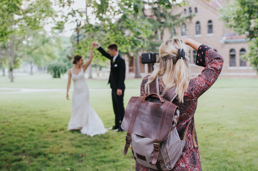 Photographer deletes photos of newlyweds after being denied a break to eat